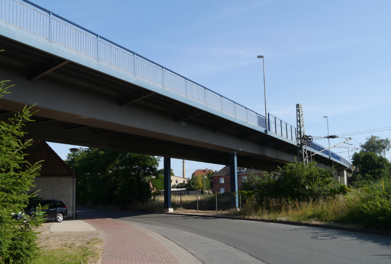 B106, Große Stahlbrücke über die DB in Ludwigslust